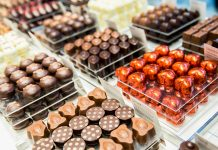Send chocolates UK
